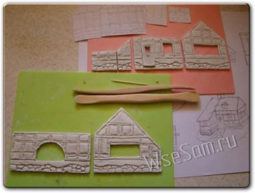 Домик - поделки из глины