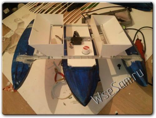 Самодельный радиоуправляемый катер для прикормки