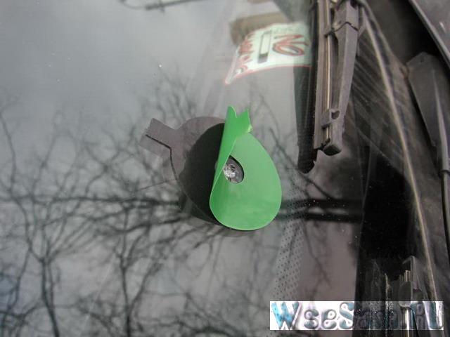Ремонт скола лобового стекла автомобиля своими руками